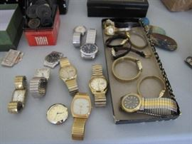 Men's watches on the Jewelry table