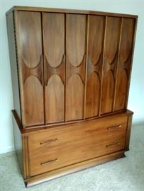 """Perspecta"" by Kent Coffey Gentleman's Chest"