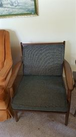 solid cushion side of previous chair