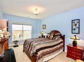 Queen Bassett bedroom set