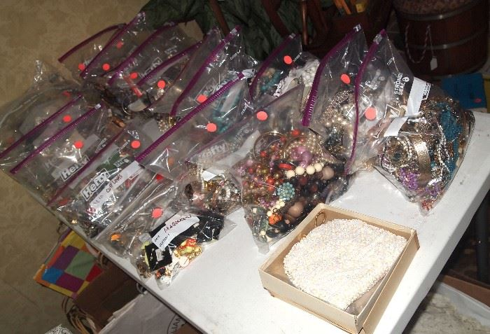 Bulk bagged costume jewelry (NO silver or gold here)
