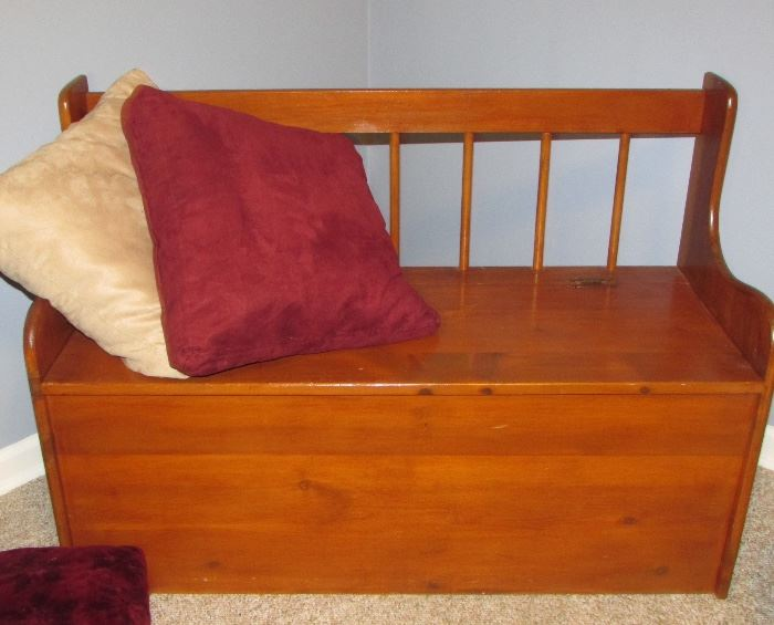 This is a storage bench, measurements will be posted soon.