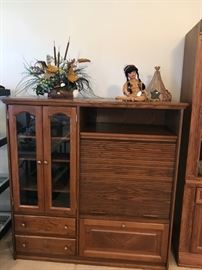CHARMING ROLL FRONT MEDIA CABINET