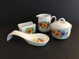 Corelle Dinnerware Serving Pieces https://ctbids.com/#!/description/share/38060