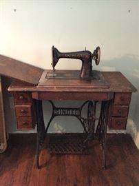 Cast iron Antique Singer Sewing Machine