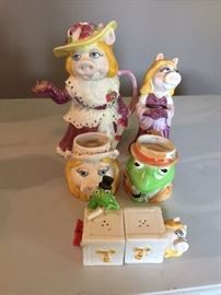 Miss Piggy and Kermit Collectibles.