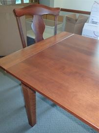 NICHOLS & STONE BUFFET - DINING TABLE WITH CHAIRS & LEAVES