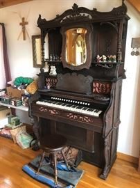 Beckwith Organ Company-Chicago antique organ