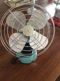 Vintage looking small fan