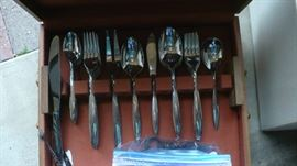 SETS OF FLATWARE
