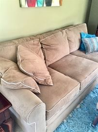 Perfect condition LAZ Y BOY COUCH