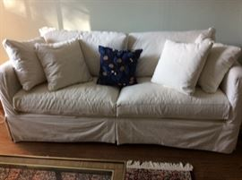 CRATE & BARREL WHITE Willow Modern Slipcoverd  SOFA