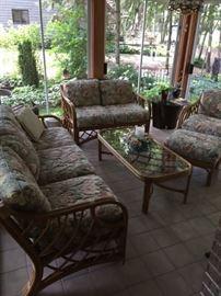 Upscale patio set - always been indoors