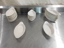 18 Oval Ceramic Bakeware