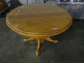 Round 48 Light Stained Wood Table With Pedestal B