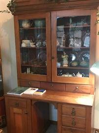 Antique desk/hutch