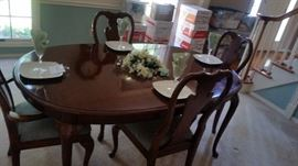 BEAUTIFUL TABLE COMES WITH 8 CHAIRS AND LEAVES , CHERRY WOOD