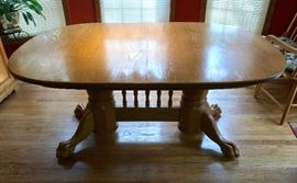 """Hand-made by Mennonite Furniture Co Buffalo Mo- this solid Oak Banquet Table is refractory style w 3 12"""" leafs extends to 8' excellent shape"""