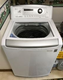 LG True Balance Washing Machine, still under transferrable Warranty great shape-like new