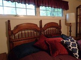 king bed, no mattress