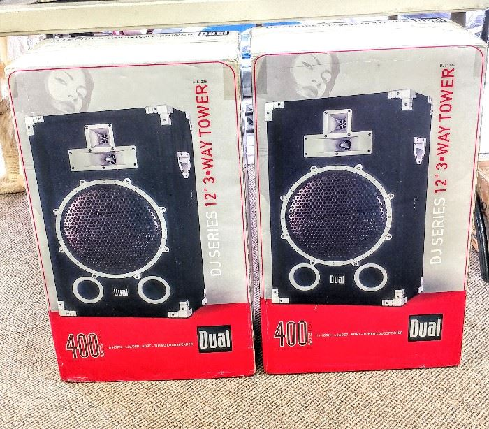 These Dual 400 speakers were still in the shipping packaging, never opened