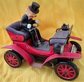 Shaky Japanese tin toy car.