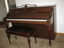 Piano and bench w/piano music / cannot be tuned, ready to be upcycled