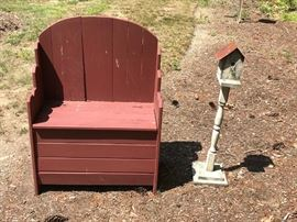Bench and Birdhouse     http://www.ctonlineauctions.com/detail.asp?id=749486