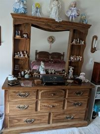 $80  Triple dresser with mirror and hutch