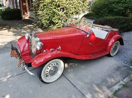 1953 MG TD Classic Roadster Auctioned at 12:00PM. No Reserve