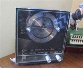 clock radio vintage