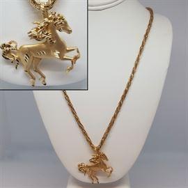 jewelrygoldhorse