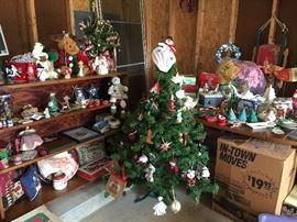 Christmas items, many mid century