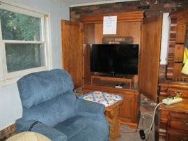 "Pine 2 Piece TV Cabinet, 40"" Invicta TV"