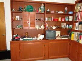 BOOKCASES, COLLECTIBLES AND BOOKS