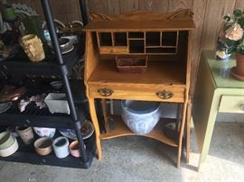 Vintage look ladies desk