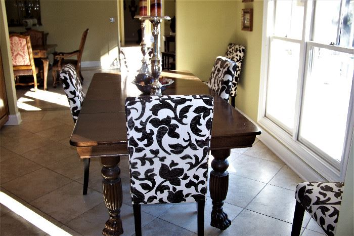 Breakfast table w/6 chairs