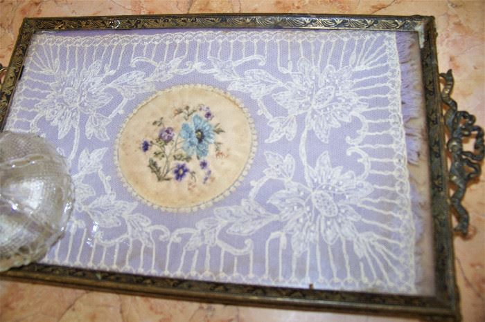 Lace enclosed dresser tray