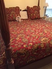King bed and queen bedding