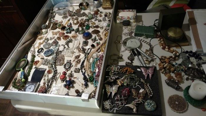 Vintage pins and pendants