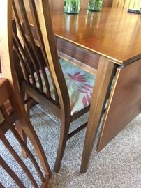 Drop leaf table with chairs - nice clean lines!