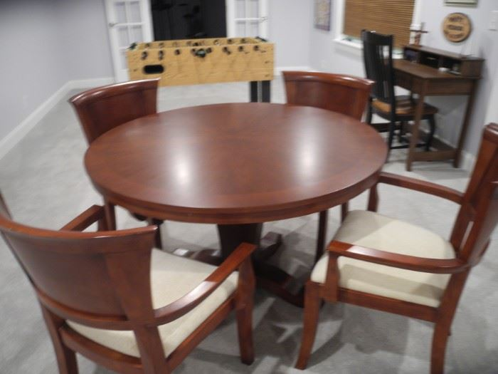 Beautiful round table with four chairs