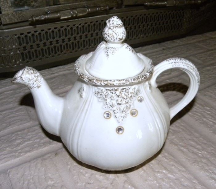 "Hall China ""Victorian"" Teapot"