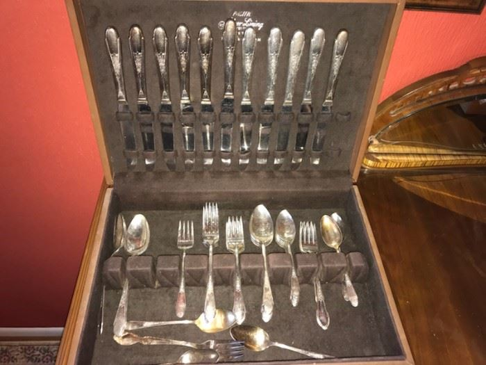 Plated Flatware Set
