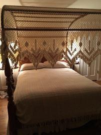 Ethan Allen Queen Size Canopy Bed