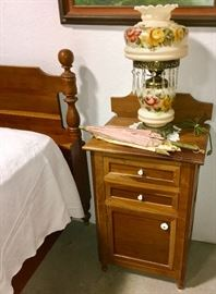 SUPER NICE ANTIQUE LAMP ON CHERRY WOOD NIGHT STAND