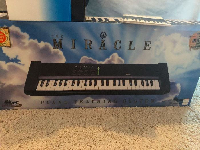 Rare Nintendo The Miracle Piano Teaching system, NES, SNES, W/ Box & Power Cord