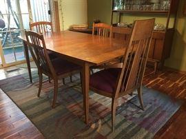 Nice mid century table w/extra leaf