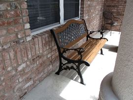 Outdoor bench very good condition