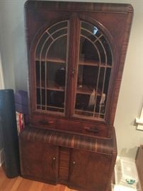 Keen Deco China cabinet 1st DAY Cash only 1/2 price deal  $$210.oo